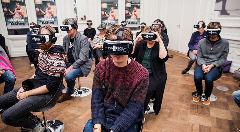 Lessons learnt directing drama in virtual reality: role of the audience