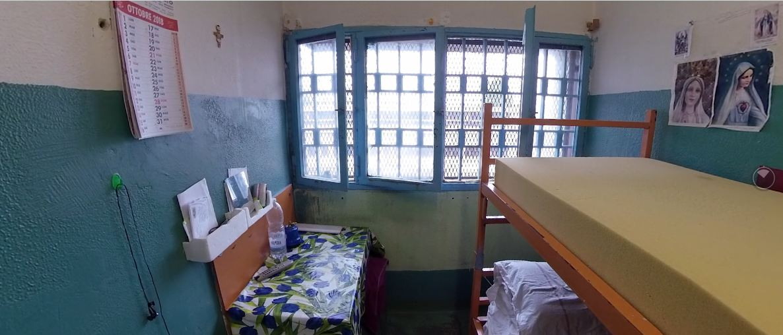 VR Free Turin prison
